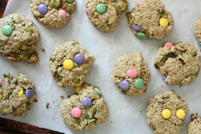 Loaded Healthy Oatmeal Cookies for Easter (or anytime!) #glutenfree #dairyfree