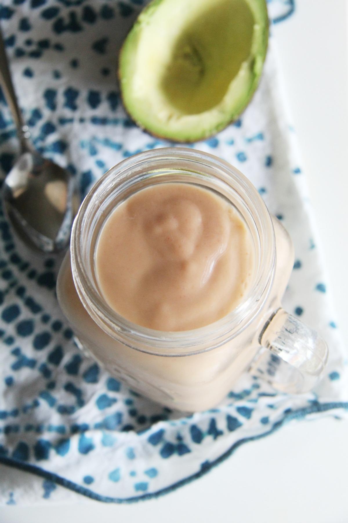 An Amazing Avocado Peach Smoothie To Make Tomorrow Morning #FoodieMamas