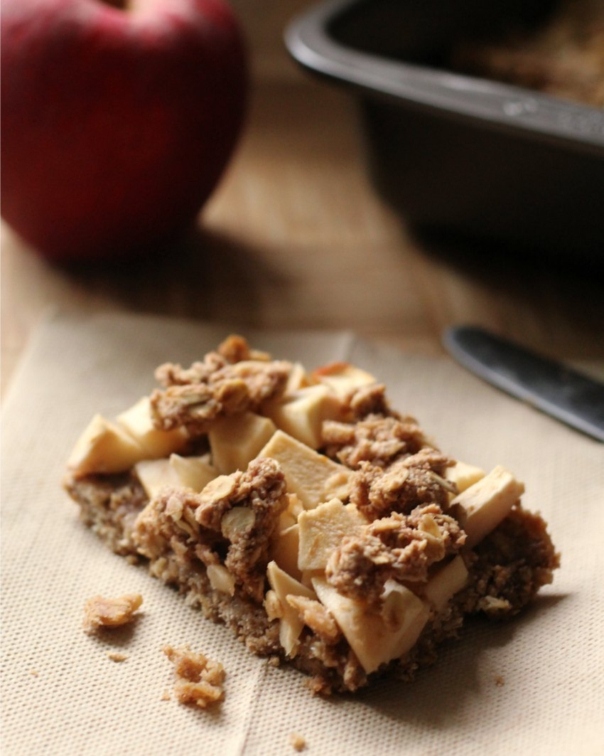 Healthy Gluten-Free Apple Oatmeal Bars Perfect For Breakfast